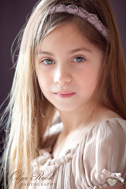 Romantisch portret van een klein meisje.