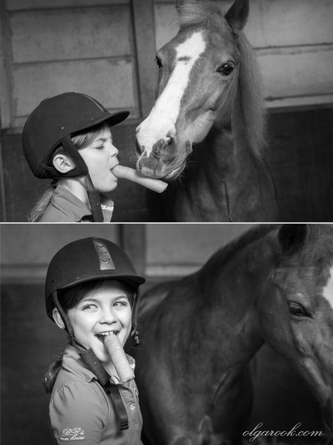 Foto's van een klein meisje met een paard in de stal