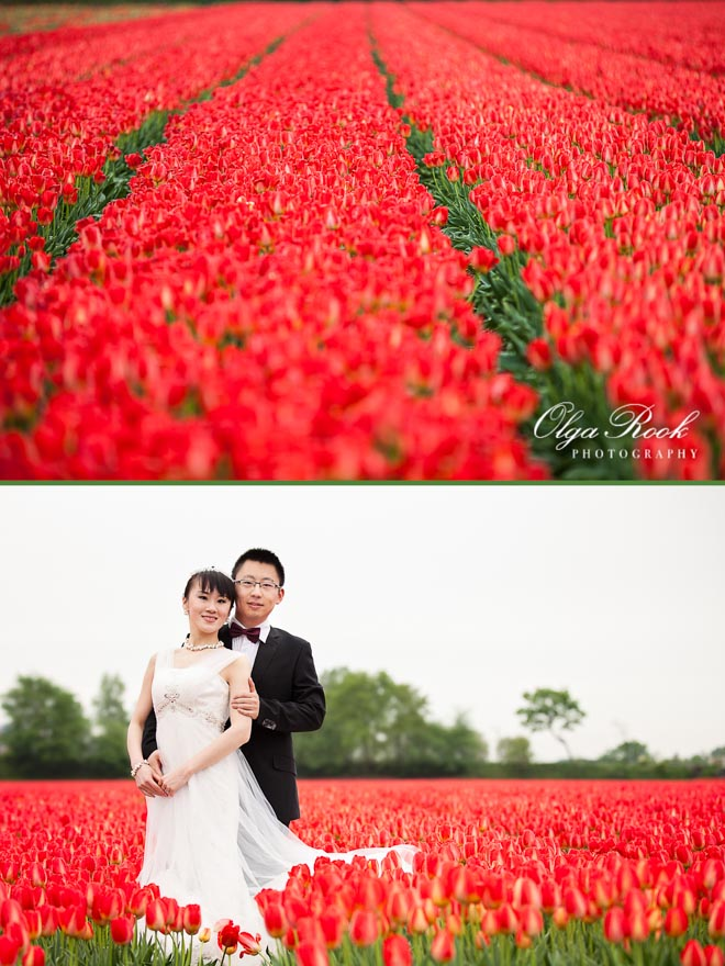 Photo of a Chinese couple in a Dutch tulip field