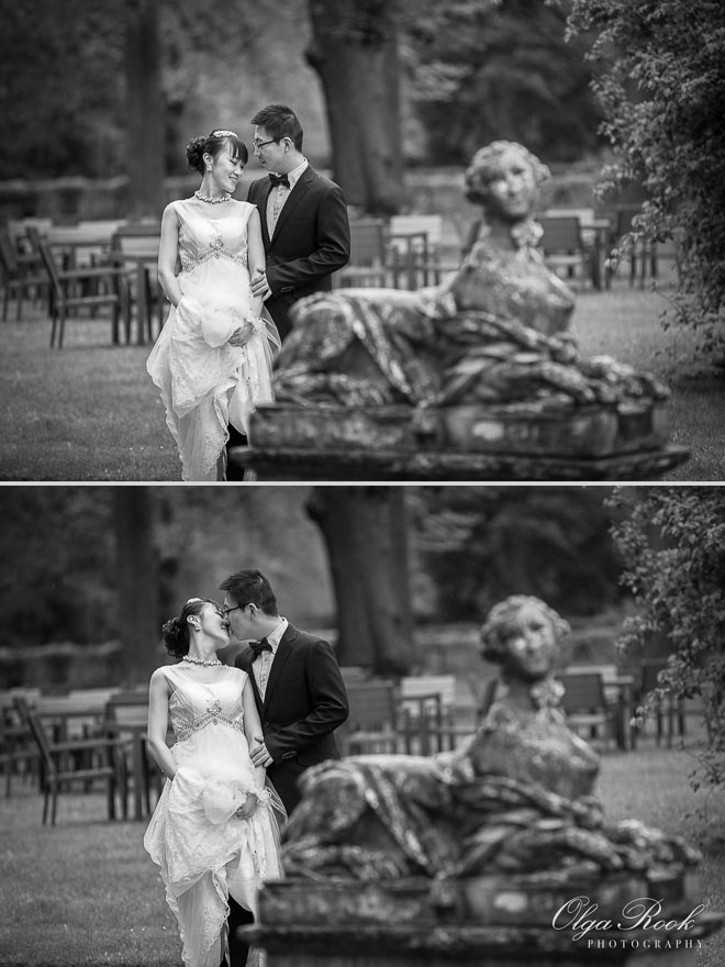 Black and white portraits of a romantic couple in the Keukenhof castle park