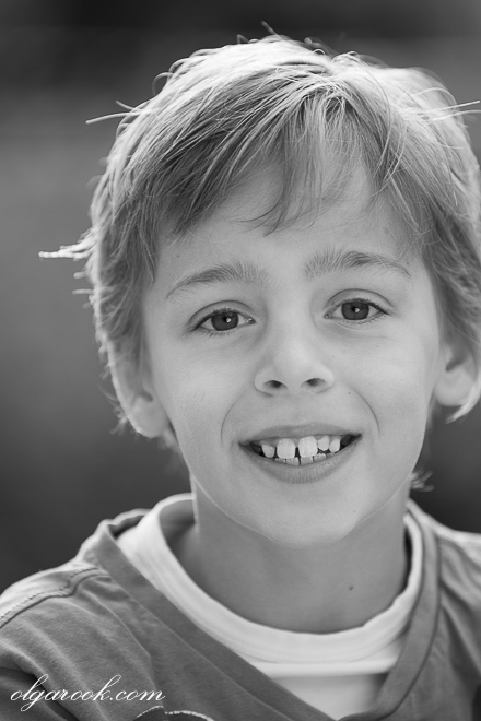 Portrait of a boy with an open and friendly smile