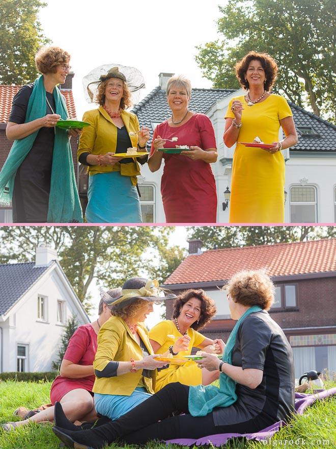 Groepsportret van elegante dames op een picknick