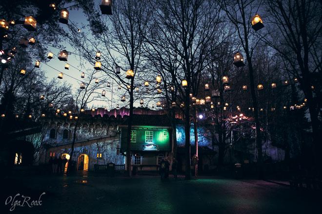 Magische lichtjes in de Efteling in de avond