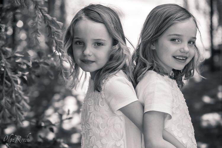 Portret van tweeling meisjes.