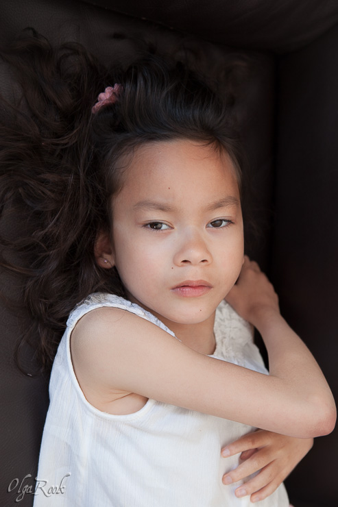 dramatic photo portrait of a little girl
