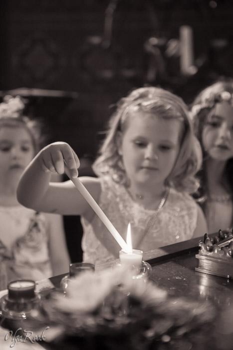 Doopreportage: kaarsen aansteken door de kinderen