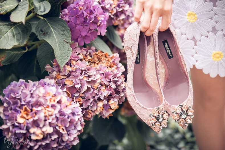 flowers and shoes: a girl's idyll of nature and fashion