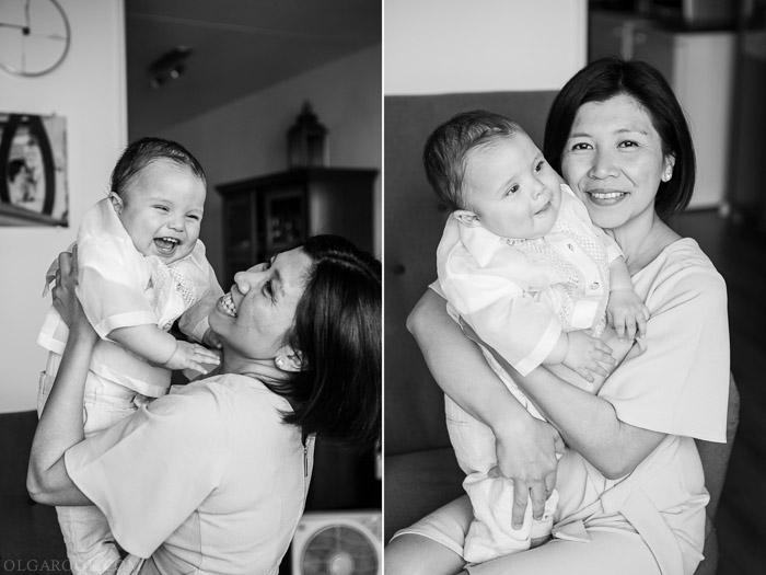 Foto's van een moeder spelend met haar baby zoontje: vrolijk en spontaan
