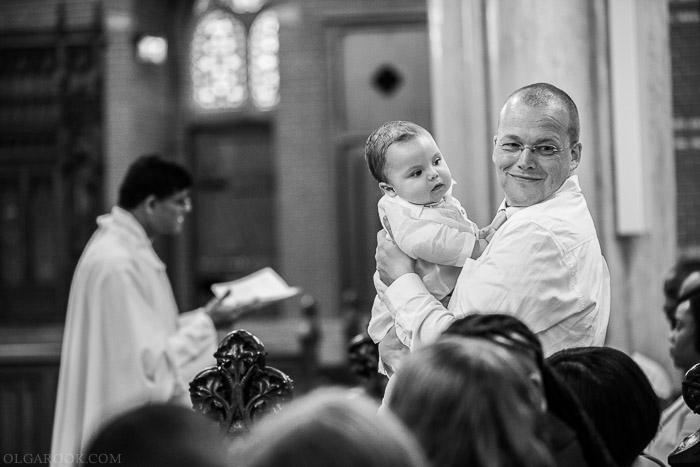 tijdens de doopliturgie