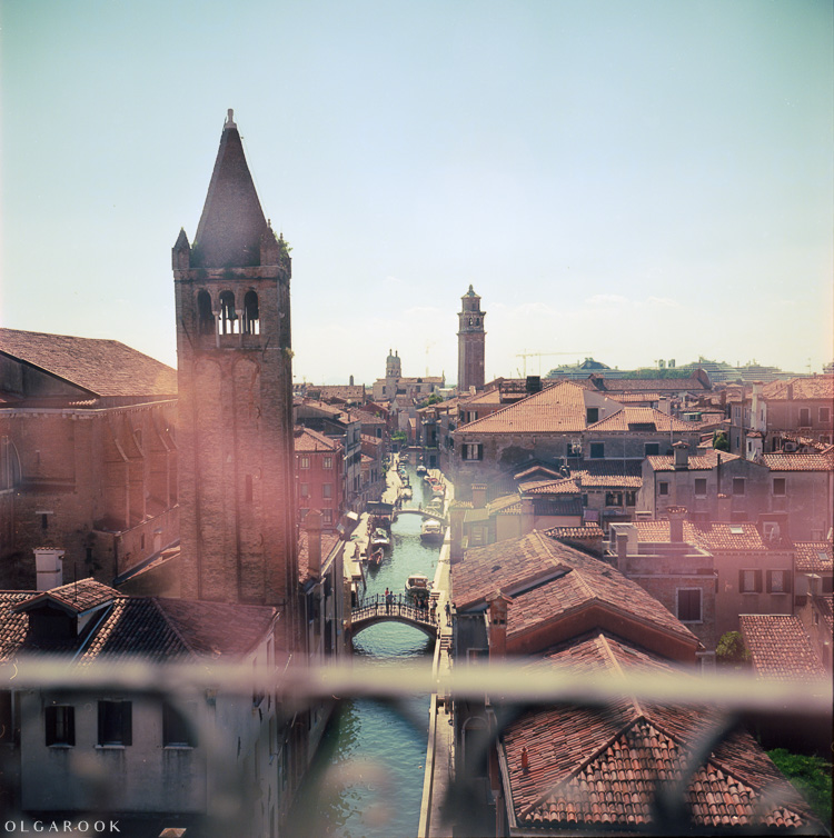 Olga_Rook_Venice_analogue_medium_format_film-7