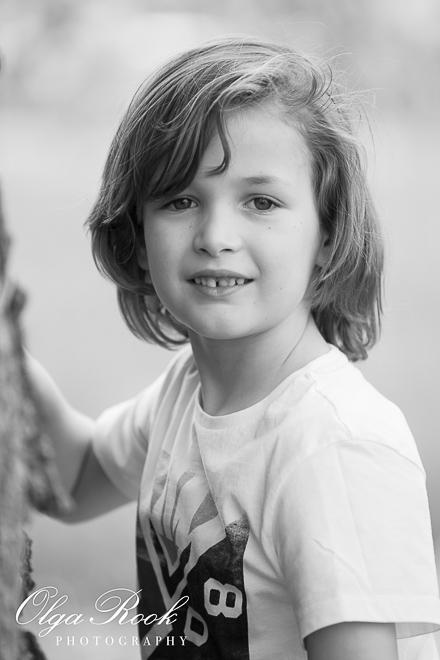 romantisch portret van een klein blond jongetje