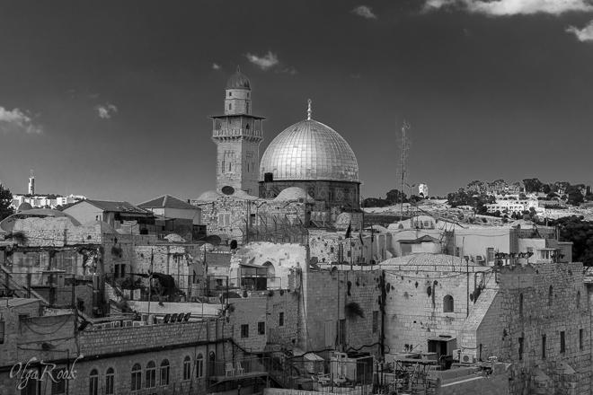 Jerusalem fotografie, de stad en de Rotskoepel in zwart-wit