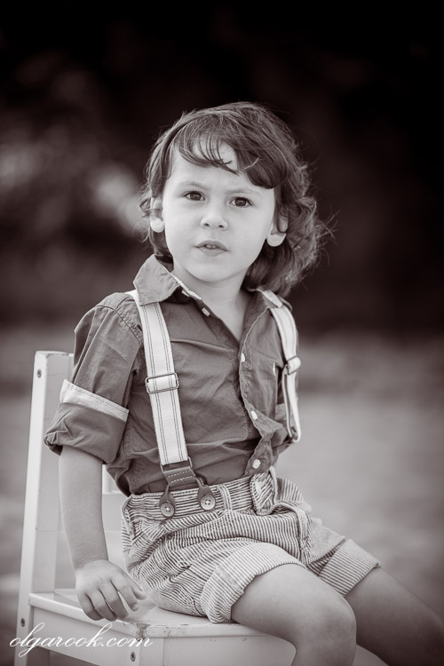 Retro-like romantic photo of a little boy