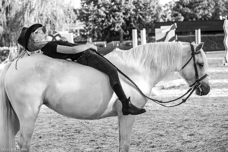 fotoshoot-kind-met-paard-OlgaRook-1