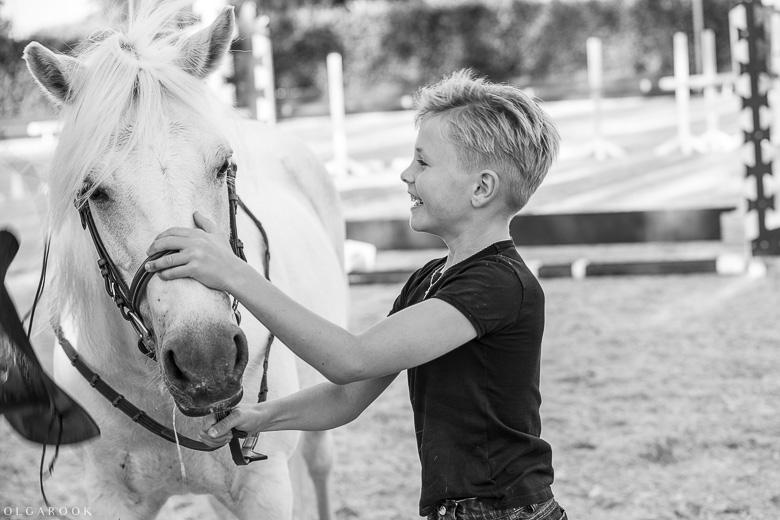 fotoshoot-kind-met-paard-OlgaRook-10