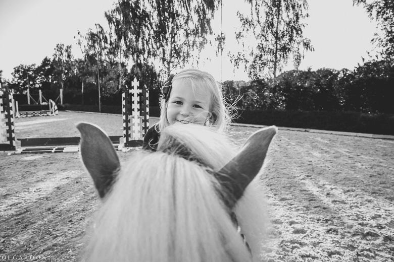 fotoshoot-kind-met-paard-OlgaRook-11