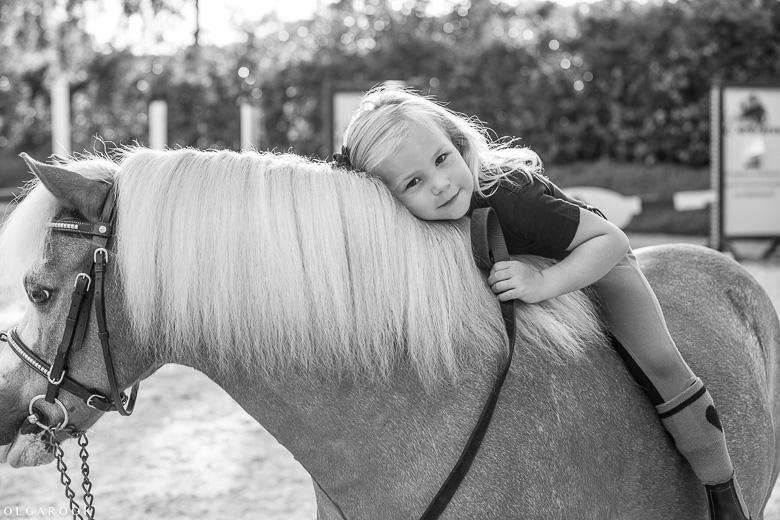 fotoshoot-kind-met-paard-OlgaRook-12
