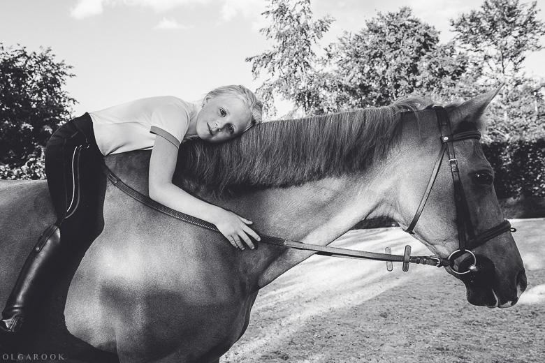 fotoshoot-kind-met-paard-OlgaRook-15