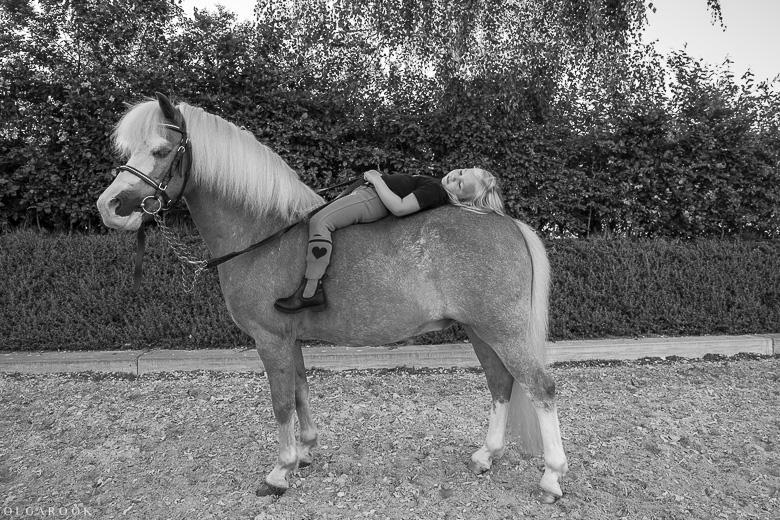 fotoshoot-kind-met-paard-OlgaRook-17