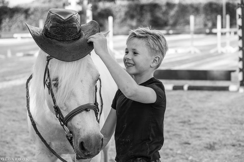 fotoshoot-kind-met-paard-OlgaRook-9